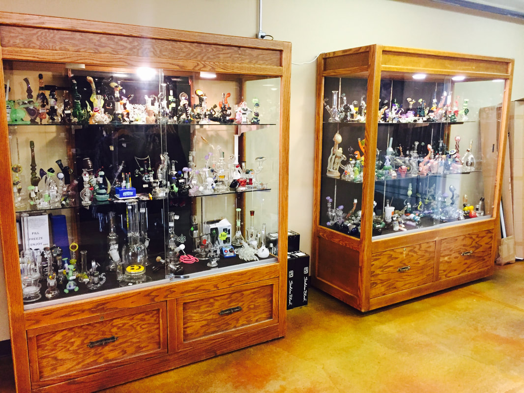 Smokin Deals Custom Glass Smoke Shop 613 6th Street Grants Pass, OR 97526